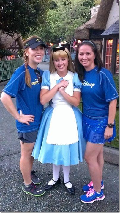 run disney meetup with alice 450x800 thumb Disneyland Half Marathon Tweet Up Meet Up