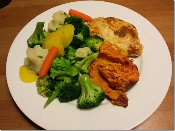 healthy dinner thumb 25 Days of Fitness Day 17