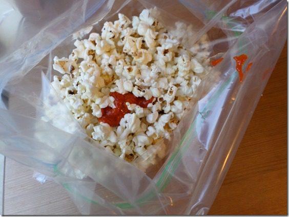 SAM 1262 800x600 thumb Sriracha Popcorn Recipe