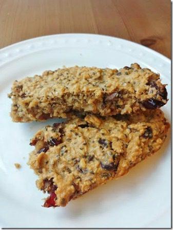 pre run apple chia granola bars 376x502 thumb Apple Oat Pre Workout Bars Recipe