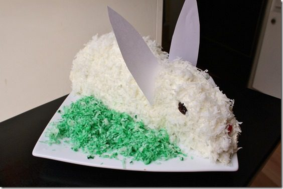 how to make an easter bunny cake tutorial thumb Meatless Monday–How to Make a Bunny Cake and Running in Orange County