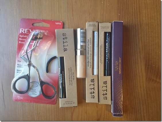 make up must haves 800x600 thumb Going to Miami with my Favorite Make Up Essentials