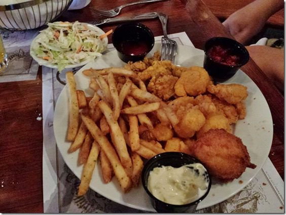 dinner at shrimp factory thumb Saturday at Fitbloggin in Seven Points…