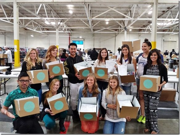 new stitchfix friends 800x600 800x600 thumb What Really Goes on at StitchFix–behind the scenes at the mail order style company