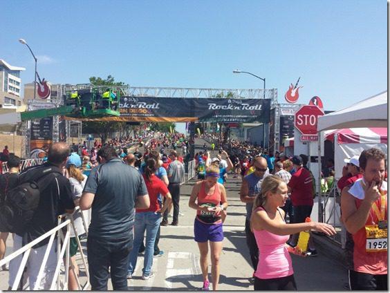 rock n roll marathon finish line san diego 800x600 thumb Suja Rock N Roll Marathon Results and Fun in SD
