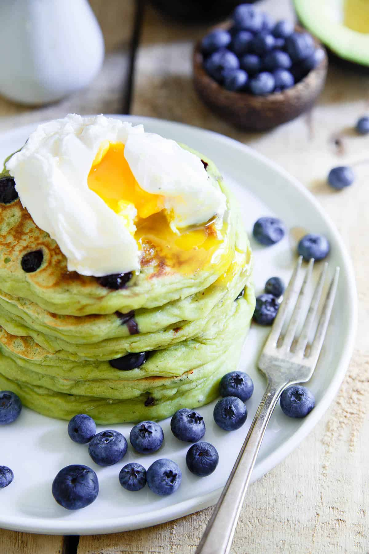 Fitness Pancakes Rezept Avocado Pancakes Thick And Fluffy Blueberry Avocado Pancakes