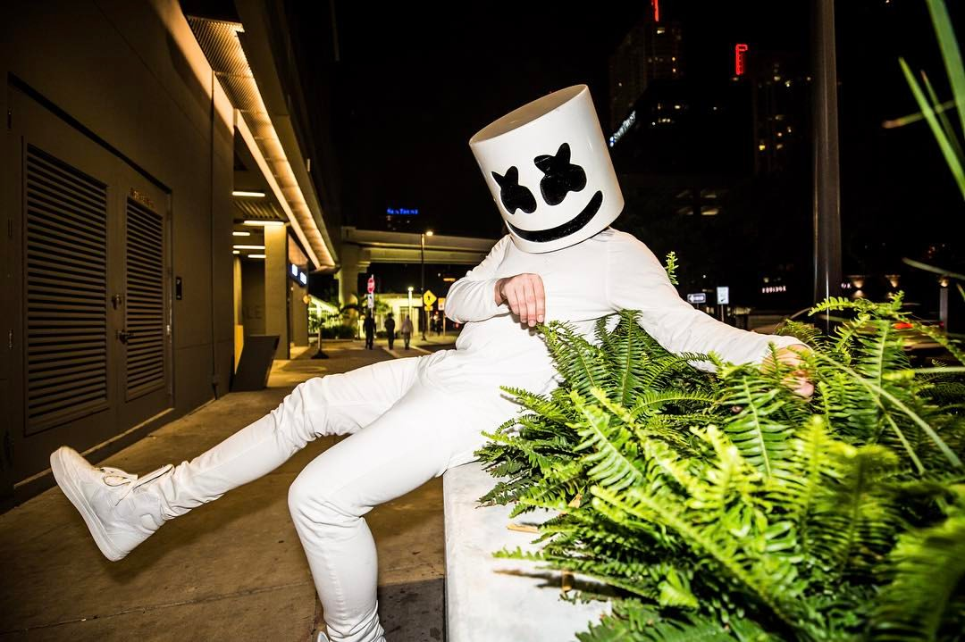 Indie Wallpaper Hd Marshmello Drops A Chilled Out Remix Of Noah Cyrus