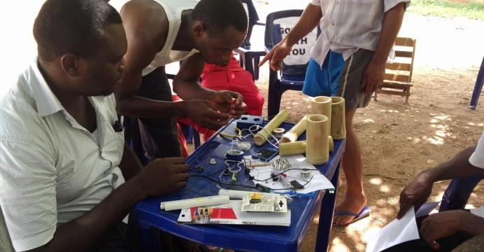 Prikkle Academy Rural Bamboo Solar lamps
