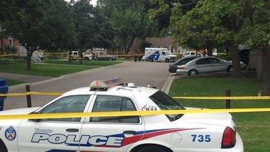 Жертвами стрельбы из арбалета в Торонто стали три человека