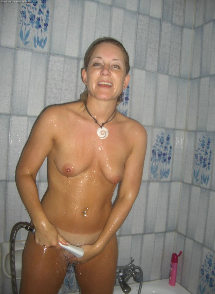 wife gets naked on cruise