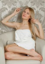 Russian-blonde-Xena-changes-her-dress-at-home-1.jpg