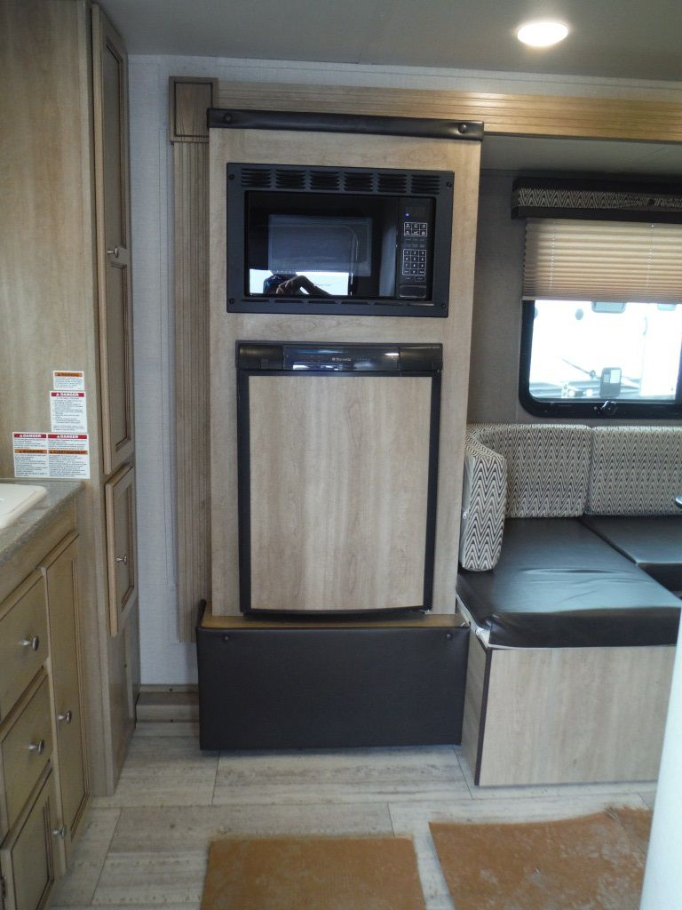10 By 10 Kitchen Layout With Island New 2017 Palomino Real Lite 178 Travel Trailer - 531004