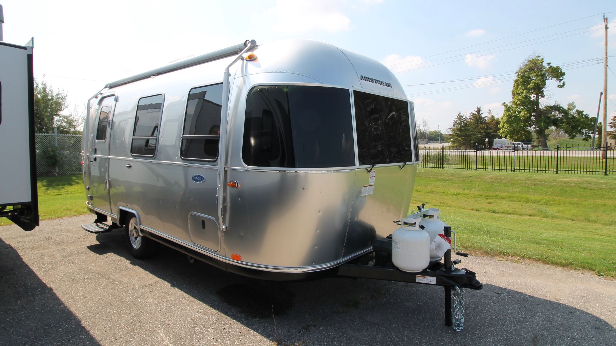 Sofa Bed Sale London Ontario 2019 Airstream Sport 22fb Airstream Of Ontario