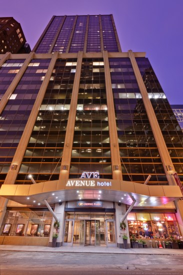 Exterior Avenue Crowne Plaza Chicago