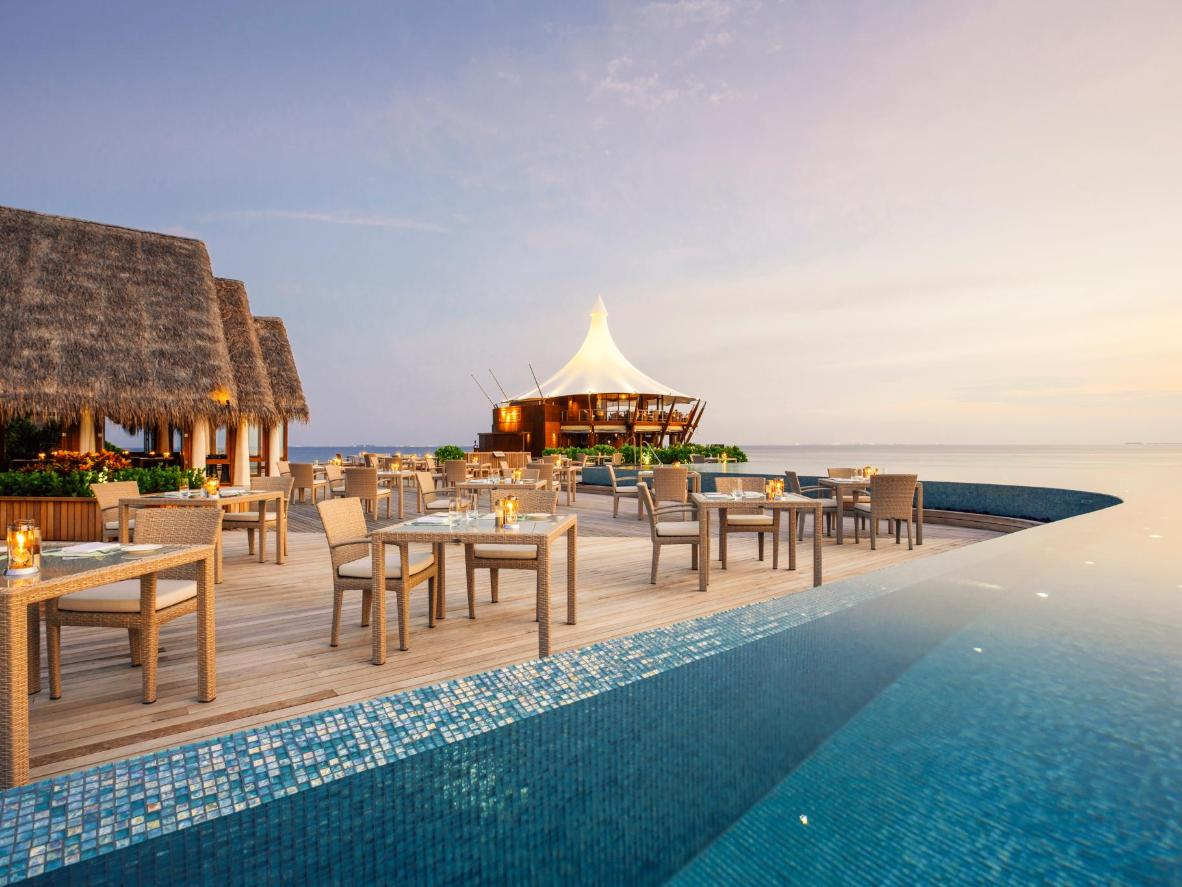 Piscina La Isla Dive In The Worlds Most Luxurious Pools Booking