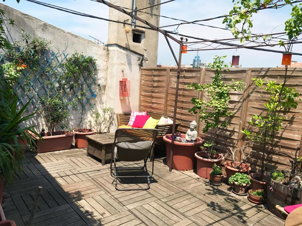 Terrasse Privative Appartement Centre Avec Terrasse Nîmes France Booking