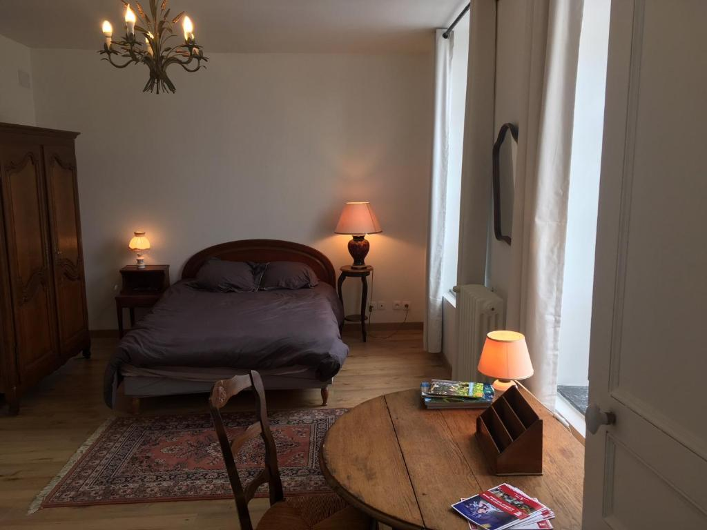 Chambre D Hote Airbnb Bed And Breakfast Chambre D Hôte Du Quai Rimbaud Charleville