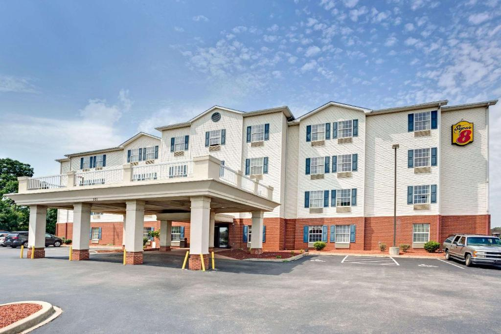 Hotel Louisville Expo Center, KY - Booking