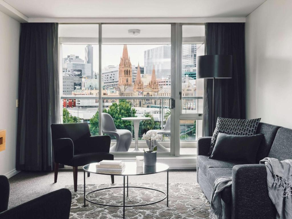 Dining Suites Melbourne Quay West Suites Melbourne Melbourne Updated 2019 Prices