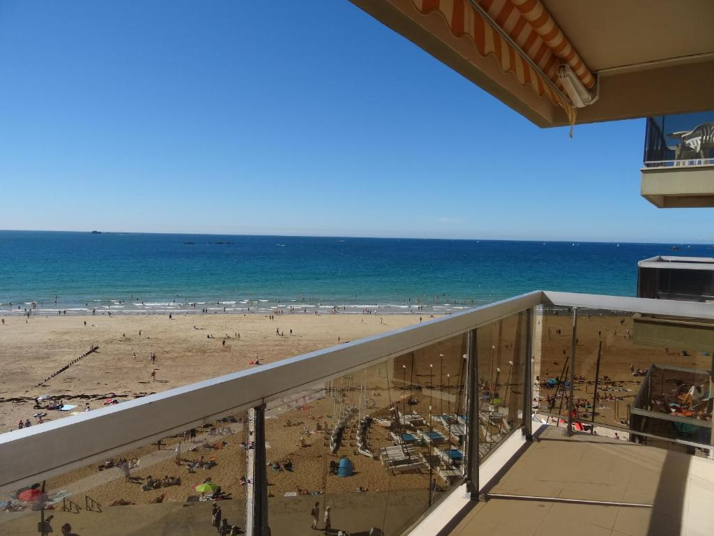 Appartement Hotel Saint Malo Appartement De Standing Vue Mer Les Thermes Marins Le