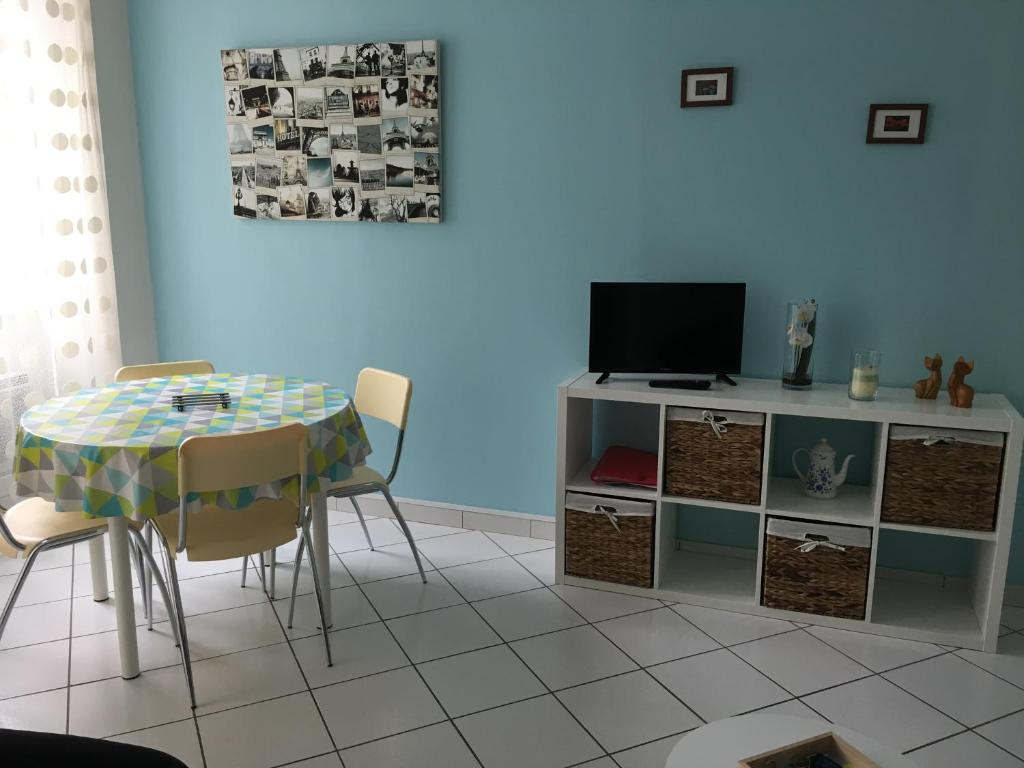 Meuble Tv Chloe Design Apartment Chloe Millau France Booking