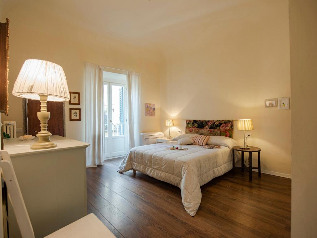 Caminetto In English Lambe Caminetto Ponte Vecchio Florence Apartment New