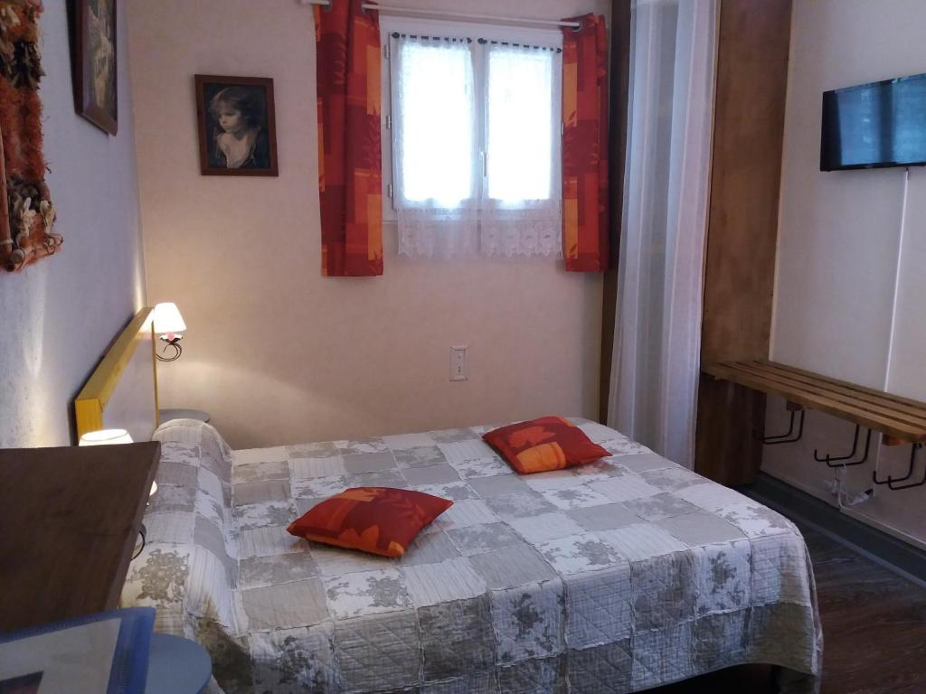 D Hotes Chambres Bed And Breakfast Chambres D Hotes Campan France Booking