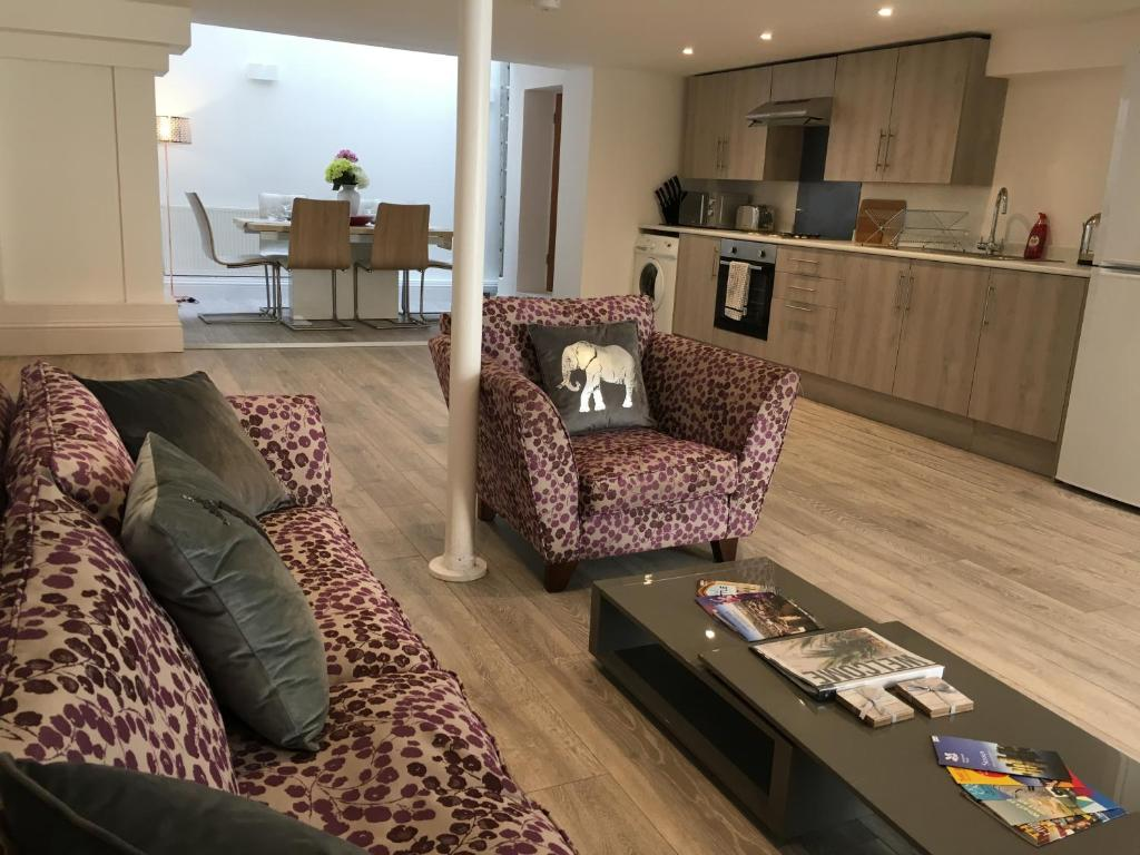 Sofa Bed Eastbourne 2 Bed Flat With Free Gym Access Eastbourne Updated 2019 Prices
