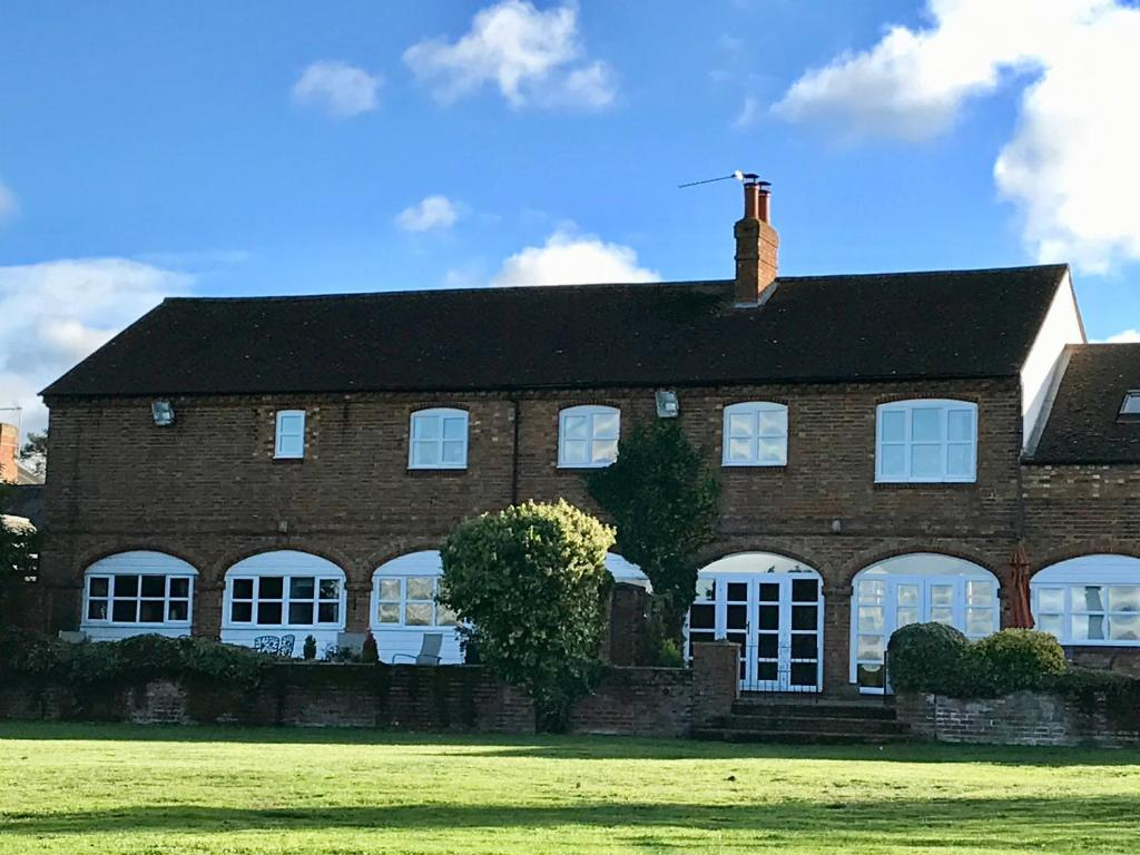 Bed And Breakfast Woburn The Old Stables Guest House Woburn Sands Updated 2019 Prices