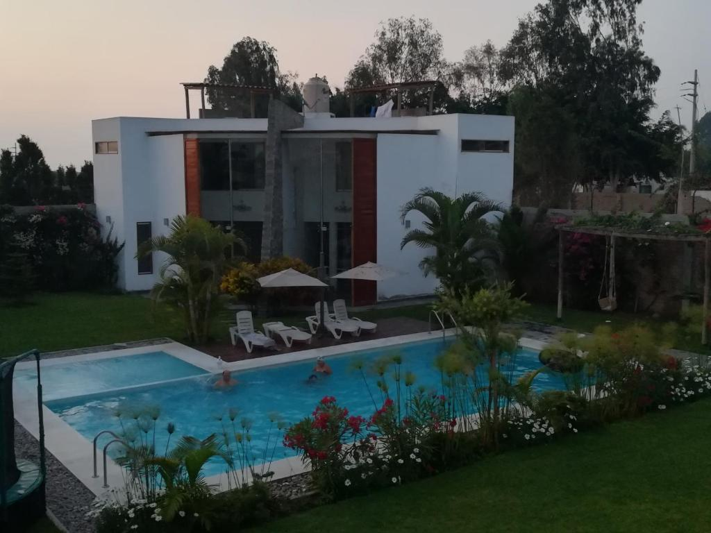 Bungalow Con Piscina Bungalows Privado Con Piscina En Chincha Canyar Peru Booking