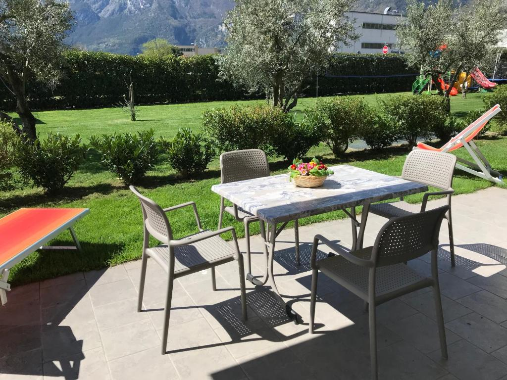 Gartenanlage Modern Arco Bed And Camping Italië Arco Booking