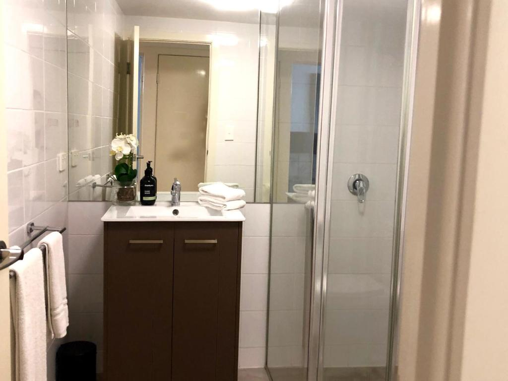 1 Bedroom Apartment Brisbane Charming 1 Bedroom Apartment Brisbane Australia Booking