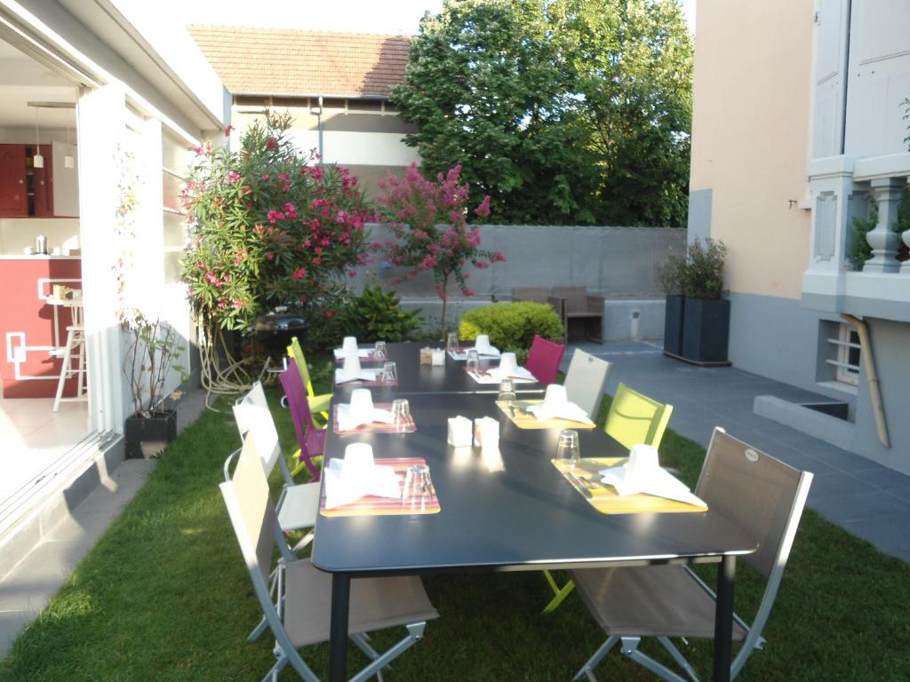 Chambre D Hote Tournon Bed And Breakfast Les Muriers Romans Sur Isère France Booking