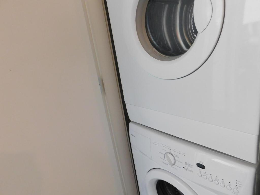 Washer And Dryer Calgary Ruyi Family House Stampede Condo Calgary Canada Booking