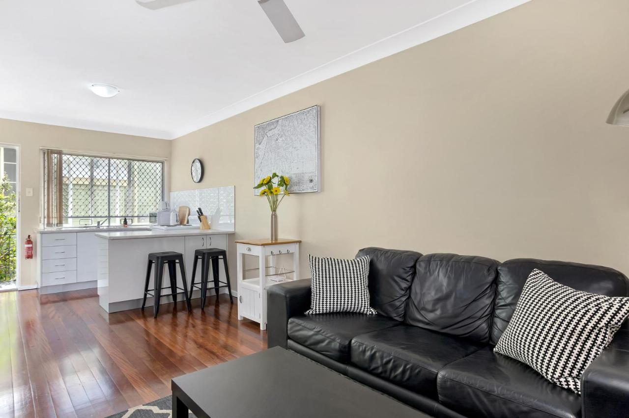 1 Bedroom Apartment Brisbane Sensational 1 Bedroom Apartment In New Farm Brisbane Updated