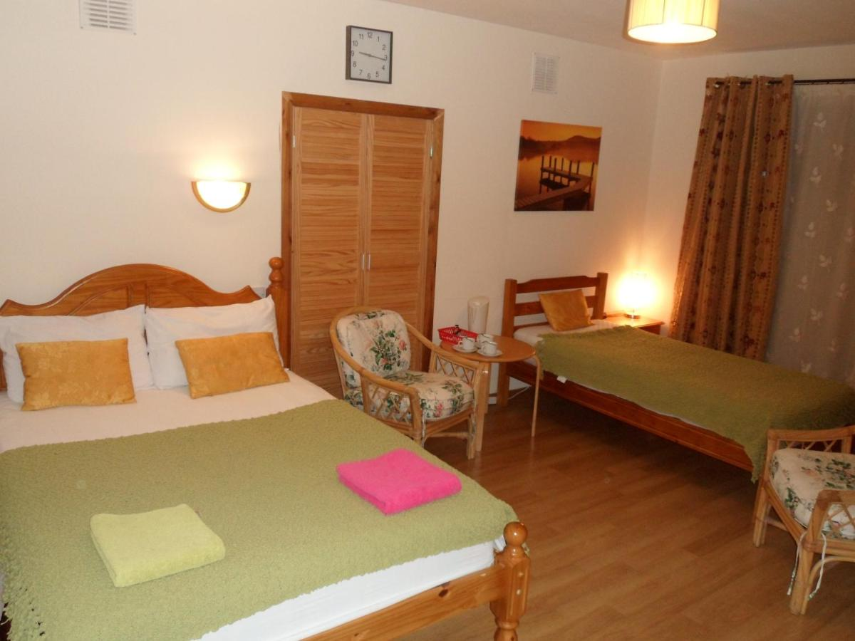 Moderne Badbeleuchtung Stansted Airport Lodge Gb Takeley Booking