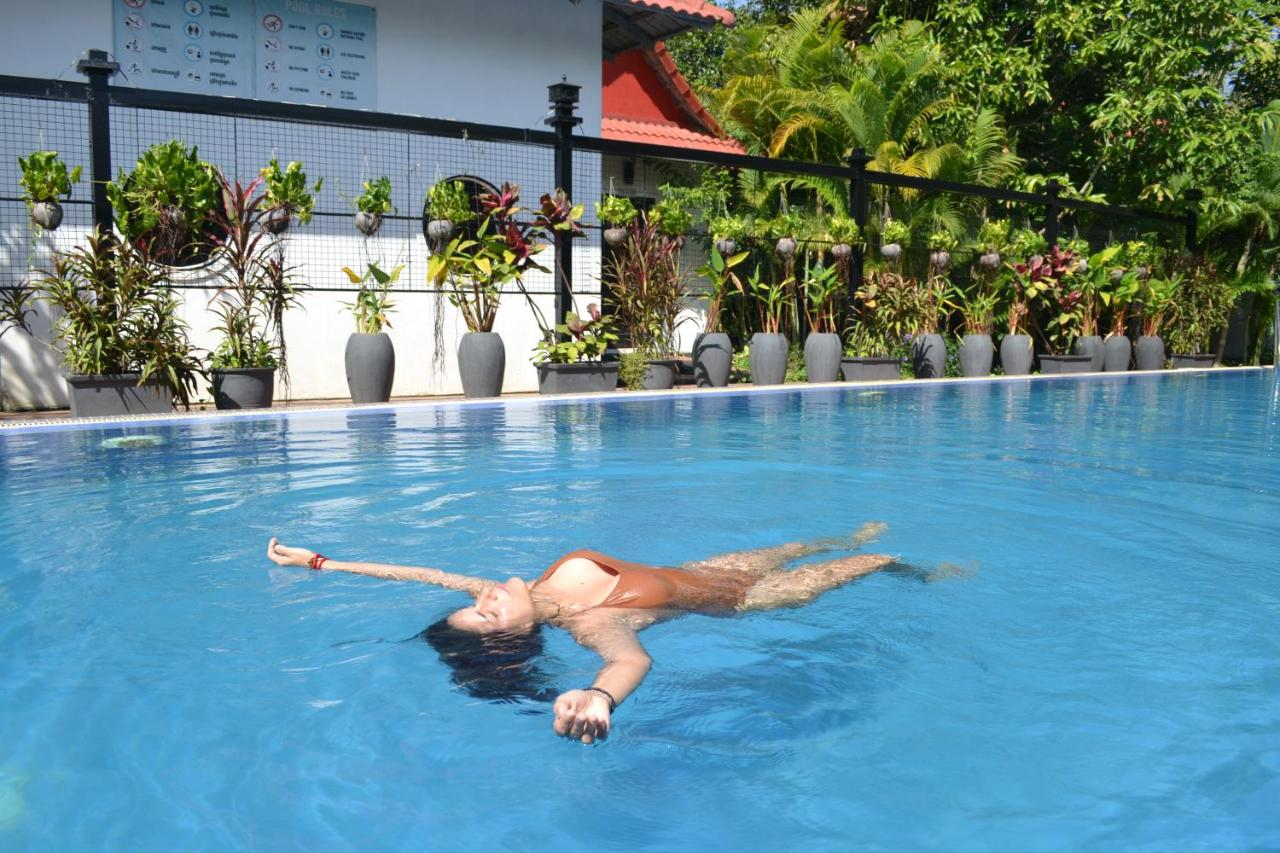Pool Im Garten Nachbarskinder Nature Boutique Residence Kambodscha Siem Reap Booking