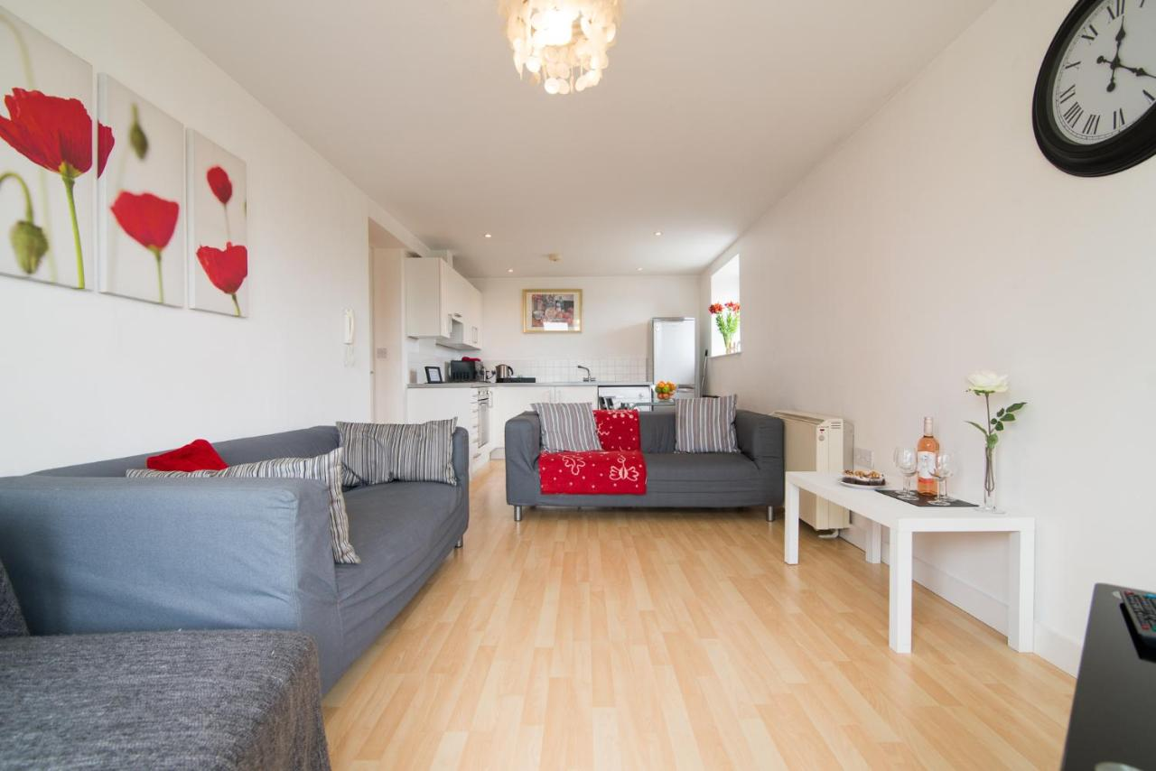 2 Bed Apartment Manchester Blackley 2 Bed Apartment Manchester Uk Booking