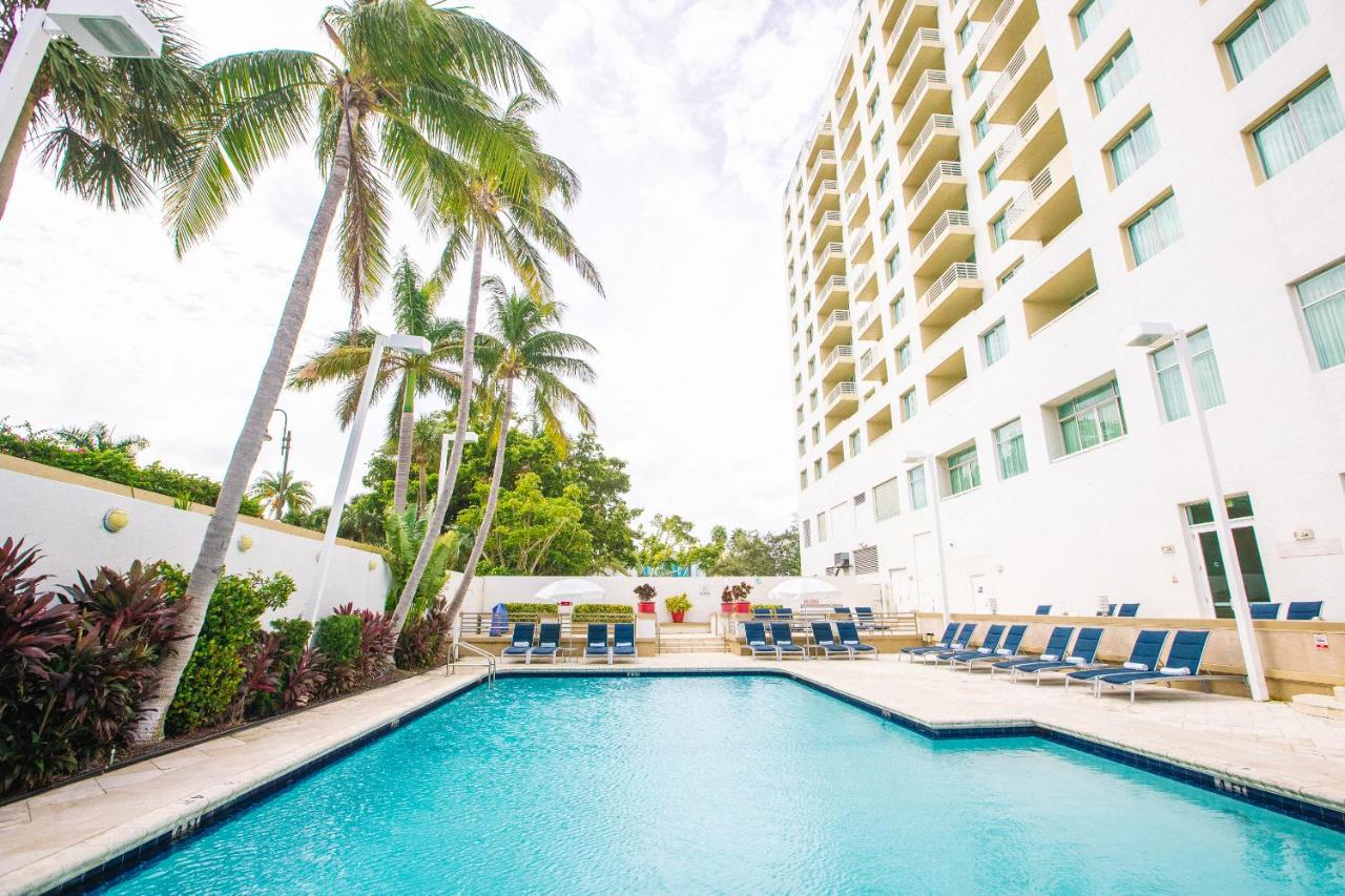 Giardino Fort Lauderdale Galleryone A Doubletree Suites By Hilton Hotel Fort Lauderdale