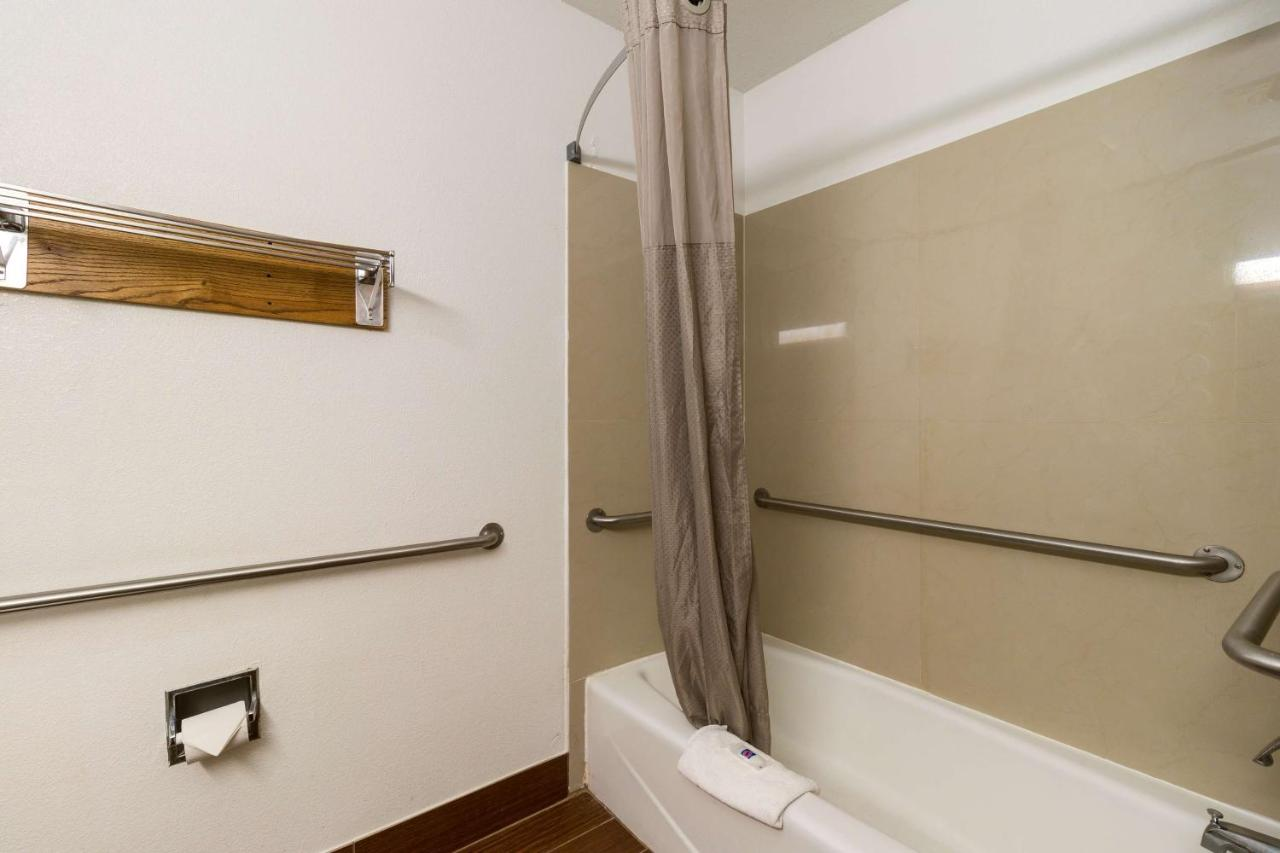 Kitchen And Bath Design Quad Cities Motel 6 Davenport Ia Booking