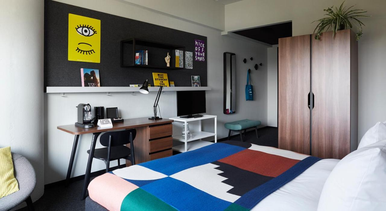 2 Slaapkamer Appartement Amsterdam Studenten The Student Hotel Amsterdam City Nederland Amsterdam Booking
