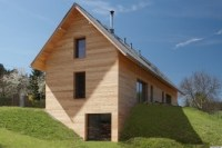 House Built Into A Hill By Stempel & Tesar Architects