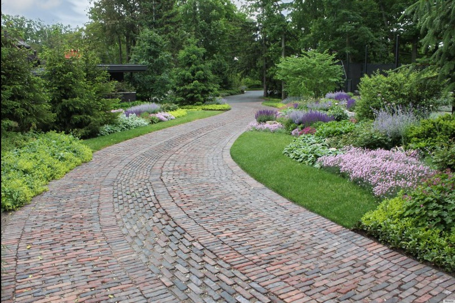 Gartenwege Gestaltungsideen 6 Driveway Looks Take Landscapes Along For The Ride Huffpost
