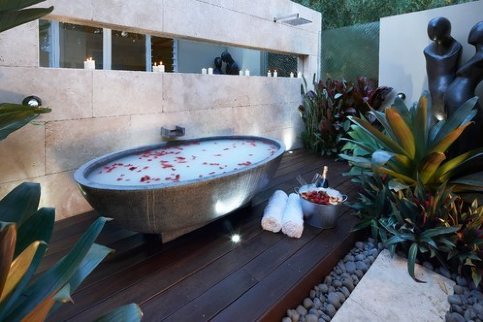 Jacuzzi Pool Bilder 10 Outdoor Bathtubs That Somehow Make It Ok To Get Naked