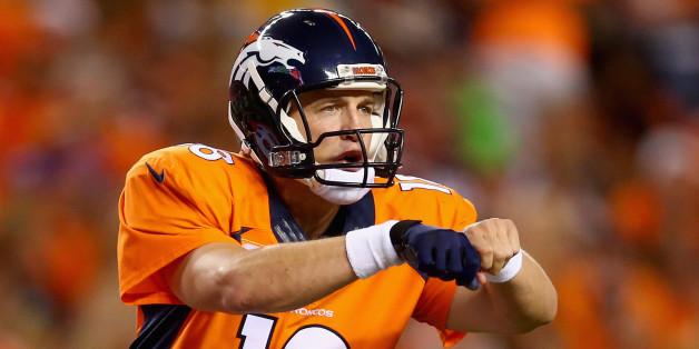 Sunday Night Football Broncos\u0027 Living Legend Peyton Manning Fosts