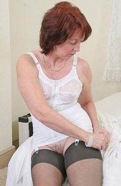 moms in girdles