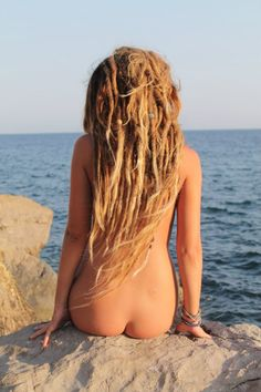hippie nude female art