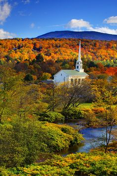 Burke Vt Fall Wallpaper I Love A Church Steeple With A Landscape Background