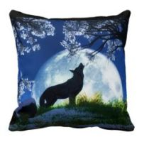 1000+ images about wolf pillows's on Pinterest | Wolves ...