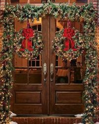 1000+ ideas about Christmas Front Doors on Pinterest ...